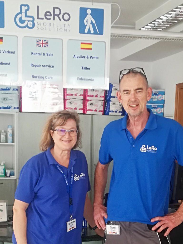 receptioniste Leontine en technieker Gerd